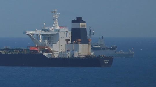 Iran đòi Anh thả tàu chở dầu ngay lập tức - Ảnh 1.