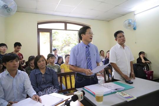 Tạm dừng xử vụ tranh chấp bản quyền Thần đồng đất Việt  - Ảnh 1.
