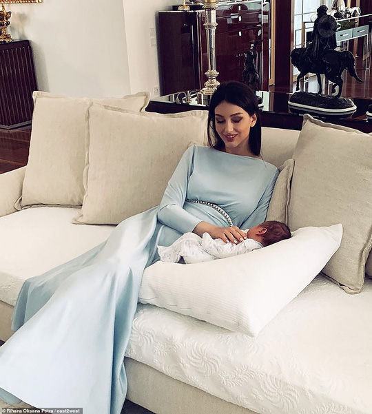 """Cựu hoa khôi Nga """"bóng gió"""" về nguyên nhân ly hôn với cựu Quốc vương Malaysia? - Ảnh 3."""