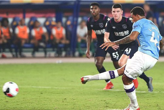 Sterling tỏa sáng, Man City đè bẹp West Ham ở Asia Trophy - Ảnh 4.