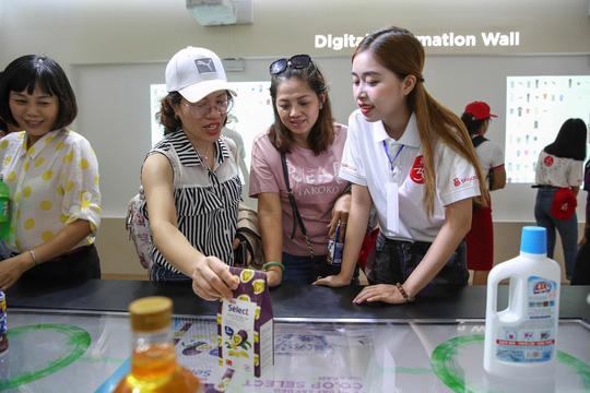 Khám phá bên trong siêu thị ảo đầu tiên tại Việt Nam - Ảnh 5.