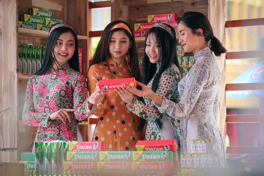 Khám phá bên trong siêu thị ảo đầu tiên tại Việt Nam - Ảnh 13.