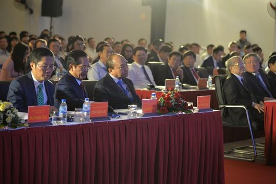 Thủ tướng Nguyễn Xuân Phúc dự hội nghị xúc tiến đầu tư tỉnh Quảng Ngãi - Ảnh 1.