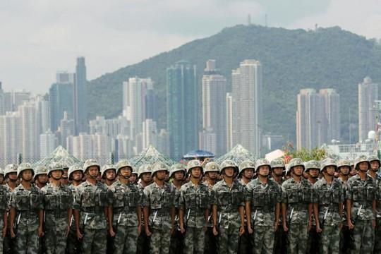 Trung Quốc doạ triển khai quân đội ở Hồng Kông để lập trật tự - Ảnh 1.