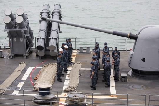 Mỹ điều chiến hạm qua eo biển Đài Loan sau lời cảnh báo của Trung Quốc - Ảnh 1.