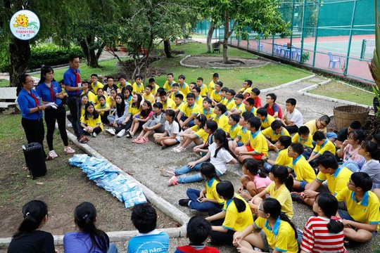 5.000 con CNVC-LĐ tham gia trại hè Thanh Đa - Ảnh 4.