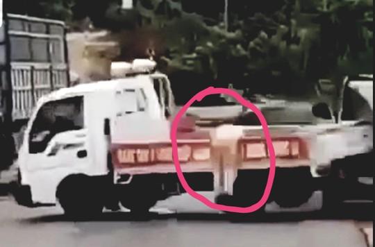Điều tra hành vi giết người với tài xế lao thẳng xe làm CSGT trọng thương - Ảnh 3.