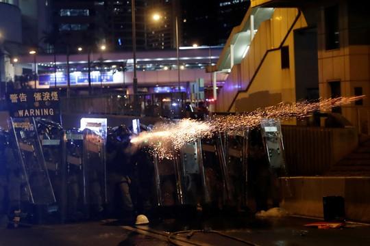 Trung Quốc tái khẳng định ủng hộ chính quyền Hồng Kông - Ảnh 1.