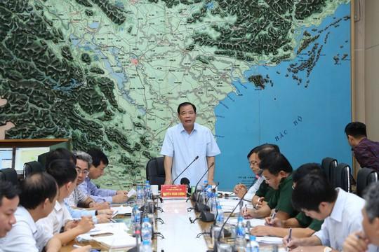 Bão số 2 tăng tốc vào Quảng Ninh - Ninh Bình, Bộ trưởng Nguyễn Xuân Cường chỉ đạo khẩn - Ảnh 2.