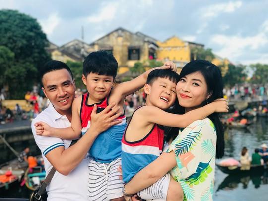 Dân mạng lùng sục tìm clip nóng của MC Hoàng Linh - Ảnh 1.
