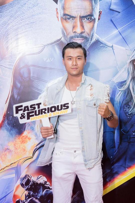 Sao Việt đọ sắc tại buổi ra mắt phim bom tấn của The Rock - Ảnh 10.
