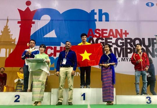 Nguyễn Anh Khôi giành cú đúp vàng cờ vua trẻ châu Á - Ảnh 3.