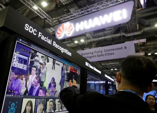 Nhân viên Huawei liên hệ sâu sắc với quân đội Trung Quốc - Ảnh 1.