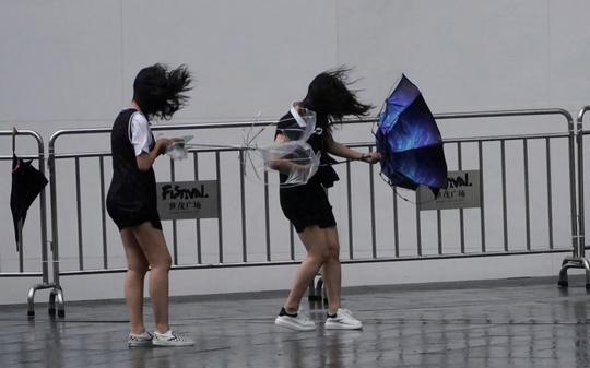 Trung Quốc hứng bão Lekima, 18 người chết, hơn 1 triệu người sơ tán - Ảnh 2.