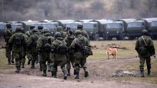 Nga tăng gấp ba sức mạnh quân sự ở Crimea - Ảnh 1.
