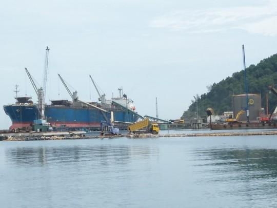 Tìm đầu tàu phát triển kinh tế miền Trung - Ảnh 1.