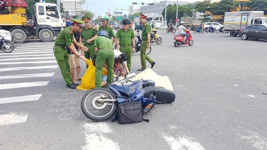 Xe ben tông xe máy, cụ ông 74 tuổi tử vong thương tâm - Ảnh 1.