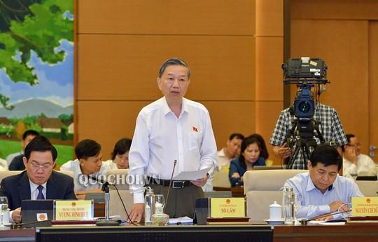Bộ trưởng Tô Lâm: Xăng giả của đại gia Trịnh Sướng liên quan đến các vụ xe tự bốc cháy - Ảnh 1.