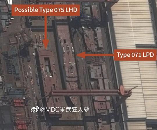 """Hình ảnh hạm đội tàu sân bay """"ẩn"""" của Trung Quốc - Ảnh 4."""