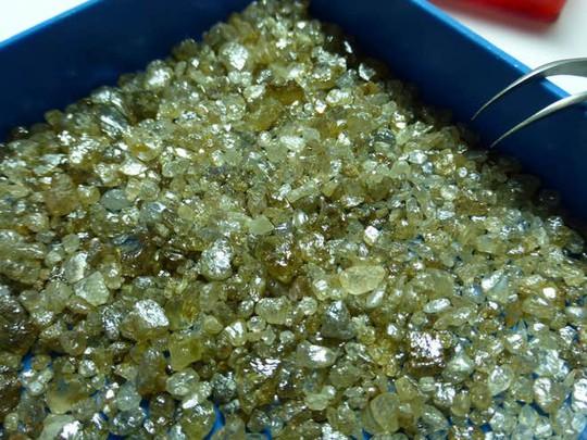 Phát hiện kho báu kim cương thời tiền sử gần lõi trái đất - Ảnh 1.