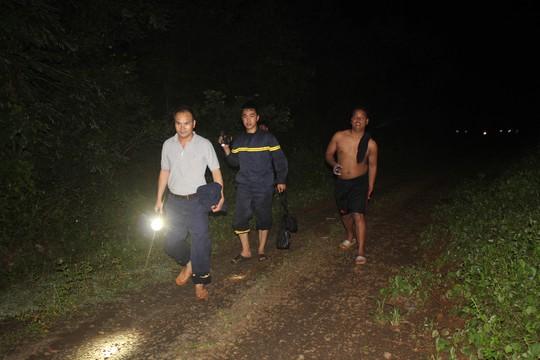 Tiếp tục tìm kiếm 3 thanh niên mất tích khi tắm thác làng Mèo - Ảnh 3.