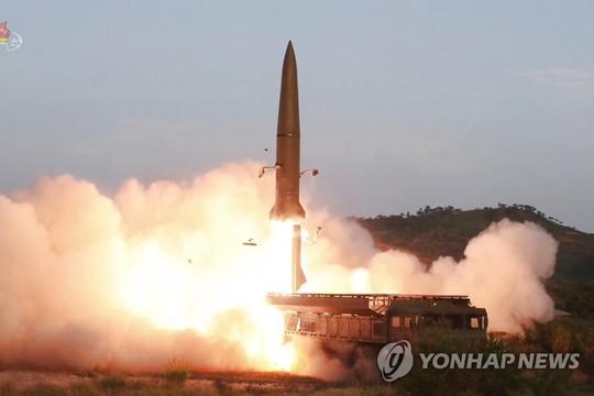 Triều Tiên thử tên lửa lần 3, Tổng thống Trump bênh vực - Ảnh 1.