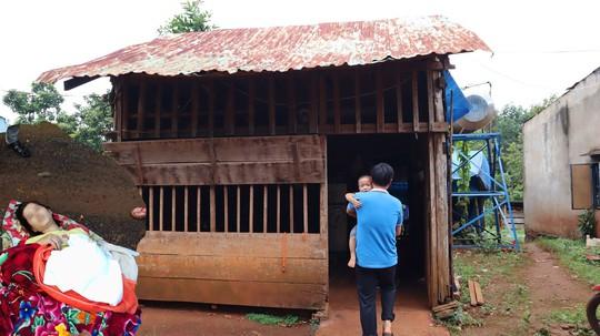 Gia cảnh bi đát của vợ chồng sản phụ bị bỏ rơi giữa đường ở Bình Phước - Ảnh 1.