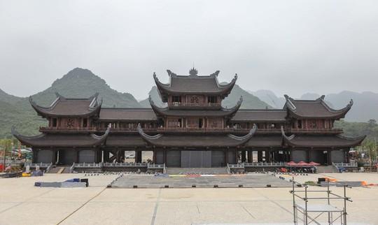 Bộ trưởng TN-MT lên tiếng việc cấp hàng ngàn ha đất xây chùa Bái Đính, Tam Chúc - Ảnh 1.