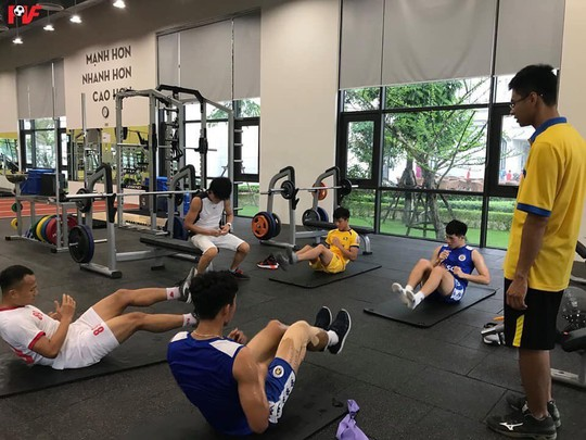 Đội tuyển Quốc gia: Lo chấn thương nhưng đã có nhiều cầu thủ trẻ - Ảnh 1.