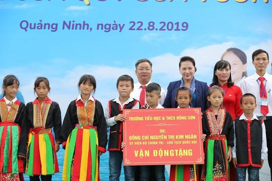 Chủ tịch Quốc hội Nguyễn Thị Kim Ngân vận động xây dựng trường học tại Quảng Ninh - Ảnh 1.
