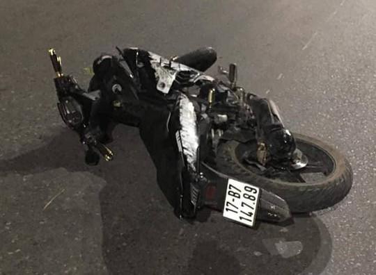 Xe Exciter kẹp 5 tông dải phân cách, 4 sinh viên tử vong - Ảnh 1.