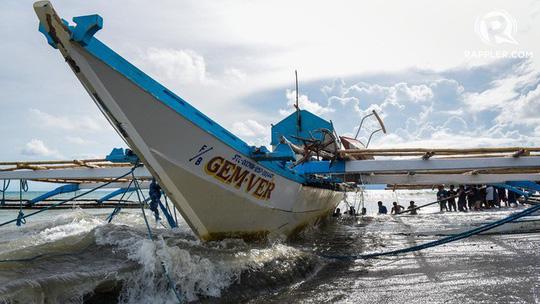 Chủ tàu Trung Quốc xin lỗi vì đâm chìm tàu cá Philippines - Ảnh 1.