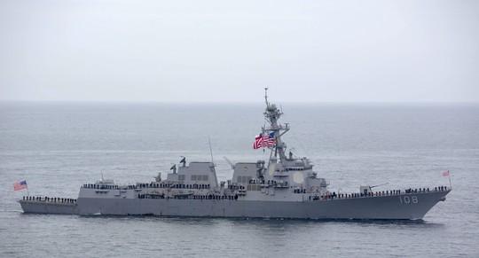Tàu hải quân Mỹ đi dạo ở biển Đông - Ảnh 1.