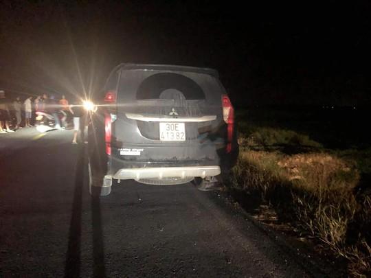 Không giữ khoảng cách an toàn, xe 7 chỗ tông chết 3 cháu nhỏ - Ảnh 1.
