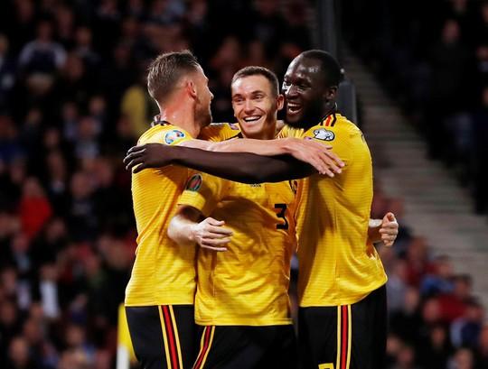 De Bruyne lập hat-trick kiến tạo, Bỉ đè bẹp Scotland vòng loại Euro - Ảnh 4.
