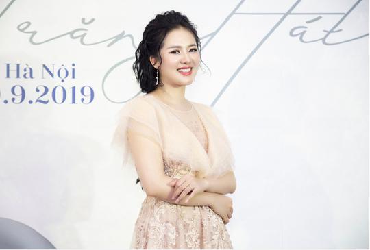 Sao Mai Phạm Thuỳ Dung vào mùa Trăng hát - Ảnh 2.