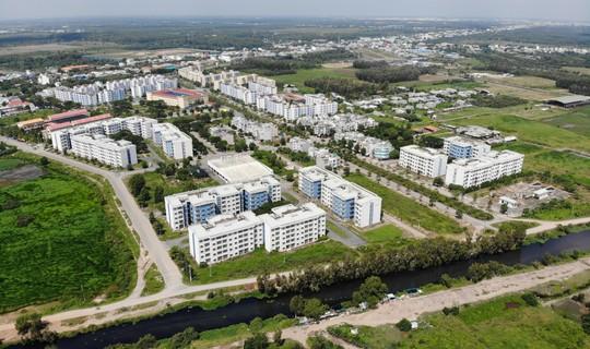 Khu tái định cư ngàn tỉ ở Bình Chánh giống như đô thị ma - Ảnh 1.