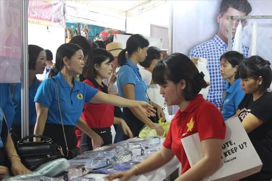 Khai mạc Ngày hội công nhân - Phiên chợ nghĩa tình - Ảnh 1.