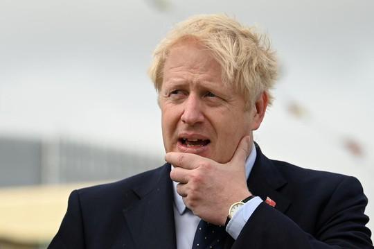 Thủ tướng Anh tự so với nhân vật hư cấu, tuyên bố cứng về Brexit - Ảnh 1.