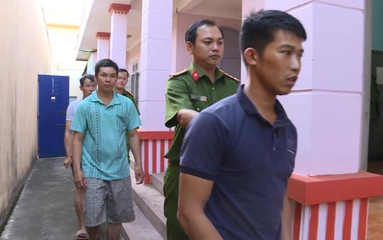 Vụ điều công an khác địa bàn đi bắt gỗ lậu: VKSND yêu cầu chuyển vụ án lên tỉnh - Ảnh 2.