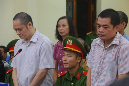 Hoãn phiên tòa xử vụ gian lận điểm thi ở Hà Giang - Ảnh 20.