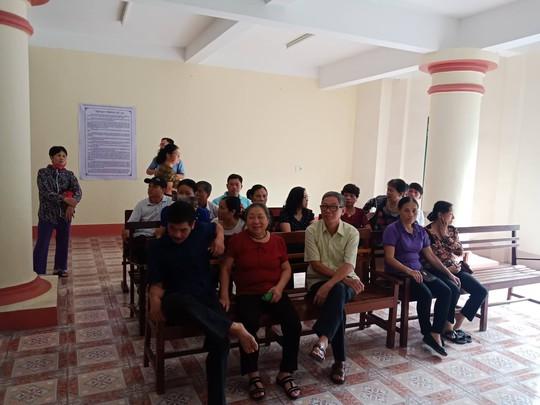 Hoãn phiên tòa xử vụ gian lận điểm thi ở Hà Giang - Ảnh 14.