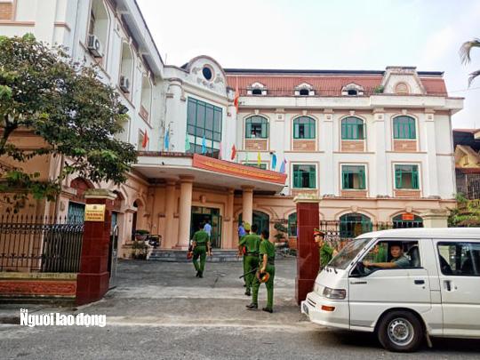 Hoãn phiên tòa xử vụ gian lận điểm thi ở Hà Giang - Ảnh 25.
