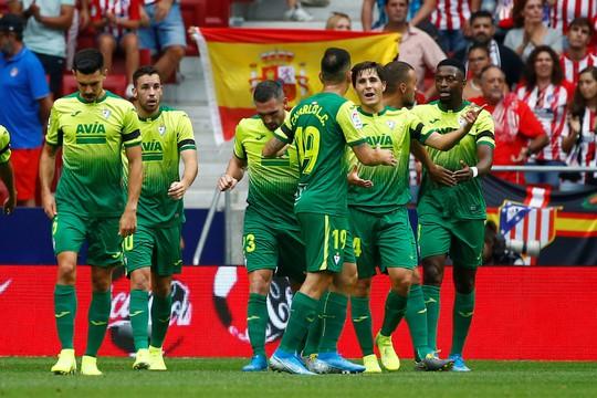 Gareth Bale ghi bàn, nhận thẻ đỏ, Real Madrid hút chết  - Ảnh 6.