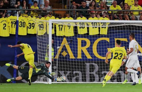 Gareth Bale ghi bàn, nhận thẻ đỏ, Real Madrid hút chết  - Ảnh 2.