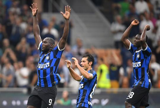 Lukaku tỏa sáng ở Inter Milan, Man United có nhớ cố nhân? - Ảnh 4.