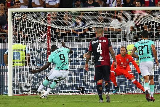 Lukaku tỏa sáng ở Inter Milan, Man United có nhớ cố nhân? - Ảnh 2.