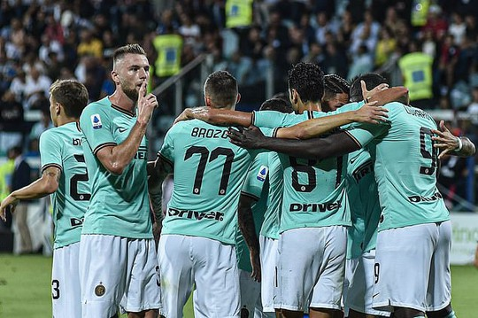 Lukaku tỏa sáng ở Inter Milan, Man United có nhớ cố nhân? - Ảnh 3.