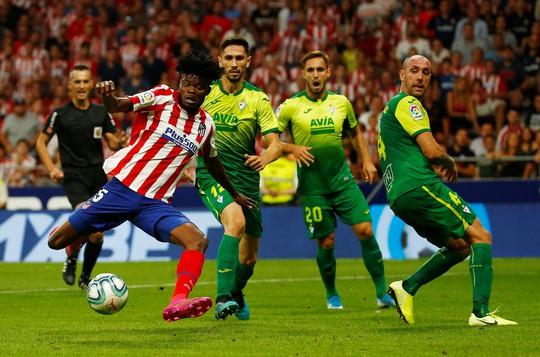 Gareth Bale ghi bàn, nhận thẻ đỏ, Real Madrid hút chết  - Ảnh 8.