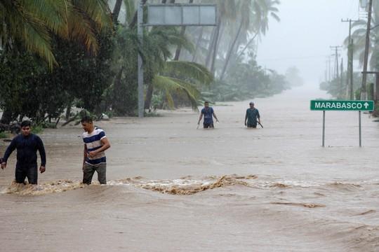 6 cơn bão cùng lúc đe dọa thế giới - Ảnh 1.